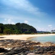 07d72shutterstock_41532016_450_600---terengganu-plaji,-Malezya