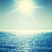 471e0shutterstock_177418397_475_600---Bulanik-kaydirma-hareketi-ile-bir-soyut-okyanus-manzarasi.