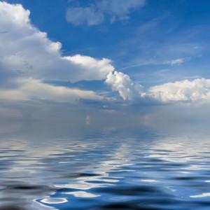 544adshutterstock_56619616_800_580---Deniz-uzerinde-asili-bulutlar