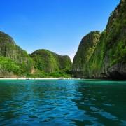 582c5shutterstock_41568358_800_533---Maya-Bay--tayland