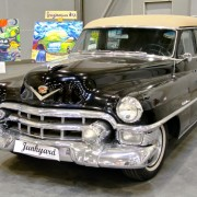 5ea05shutterstock_123911614---Cadillac