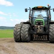 9ae23shutterstock_140102308---Agrotron-130-traktor