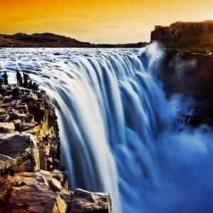068e1shutterstock_100197773---izlanda-de-Dettifoss-selalesi