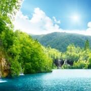 19a50shutterstock_69102241--Hirvatistan-derin-orman-icinde-selale-2
