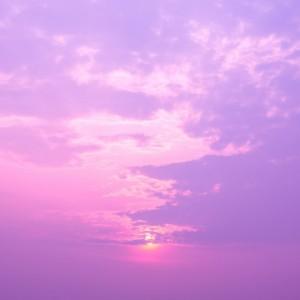 39c17shutterstock_187438106---pembe-mor-bulutlarla-kapli-gokyuzu