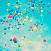 43a31shutterstock_130018685---turkuvaz-gokyuzunde-ucan-rengarenk-balonlar