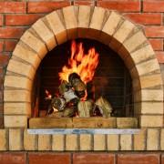46d92shutterstock_133392947--Rus--mutfak-ve-yanan-bir-ates