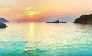 4b200shutterstock_74170612--Deniz-uzerinde-gundogumu.-Con-Dao.-Vietnam