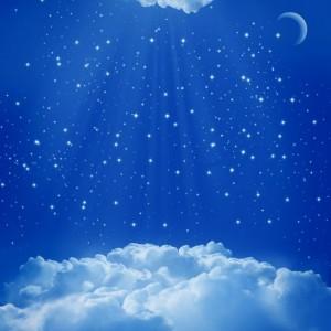 6d548shutterstock-80567176---gece-bulutlar-arasinda-gokyuzu,-parlayan-yildizlar