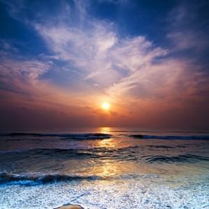 6dba2shutterstock_72157477--Deniz-uzerinde-gundogumu