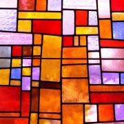 710f0shutterstock_69342997---Kirmizimsi-tonda-Vitray-kilise-penceresi