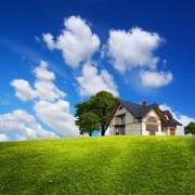 78c3bshutterstock_72085540-Yesil-bir-tepede-aile-evi