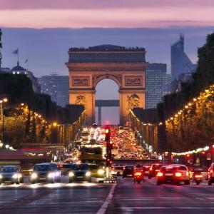 9daf3shutterstock_114479500---Champs-elysees,paris
