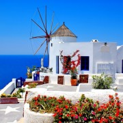 aa349shutterstock_54154945-Oia-koyunde-degirmen-Santorini-adasi,-Yunanistan