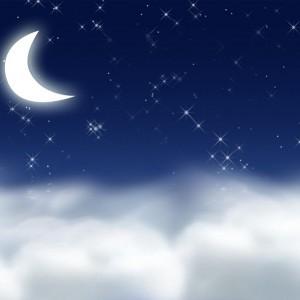 abe4cshutterstock-1703951---Bulutlarin-uzerinde-gece-gokyuzu-ay-ve-yildizlar