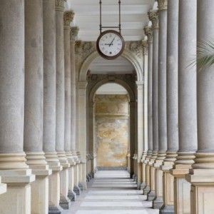 ac513shutterstock_80012119-Karlovy-Colonnade,-cek-Cumhuriyeti