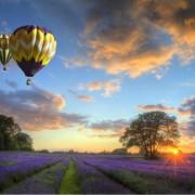 c0255shutterstock_85726873---Ucan-hava-balonlari-ve-gunbatimi