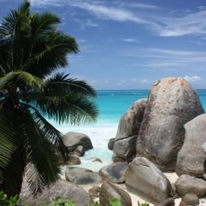 c36cbshutterstock_40931989--Seyseller-plaj,-dev-bazalt-kayalar