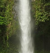 d044fshutterstock_101360515--Kosta-Rika-Catarata-La-fortuna-(La-fortuna-selalesi)-Dikey-panoramik-goruntu