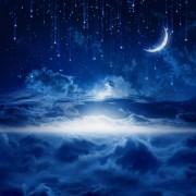 d7c8dshutterstock-165099086-gece-bulutlara-dogru-kayan-yildizlar-ve-hilal