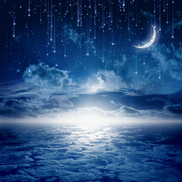 f3229shutterstock-127177691--gece-bulutlara-dogru-kayan-yildizlar-ve-hilal