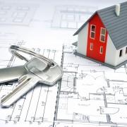 fb499shutterstock_129086126---Bir-plan-uzerinde-bir-ev-ve-anahtarlik-modeli